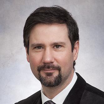 Dr. Armando Lorenzo